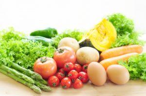 新鮮な野菜や卵