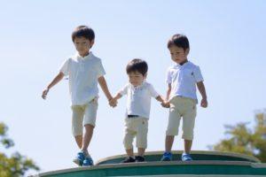 3人の男の子兄弟