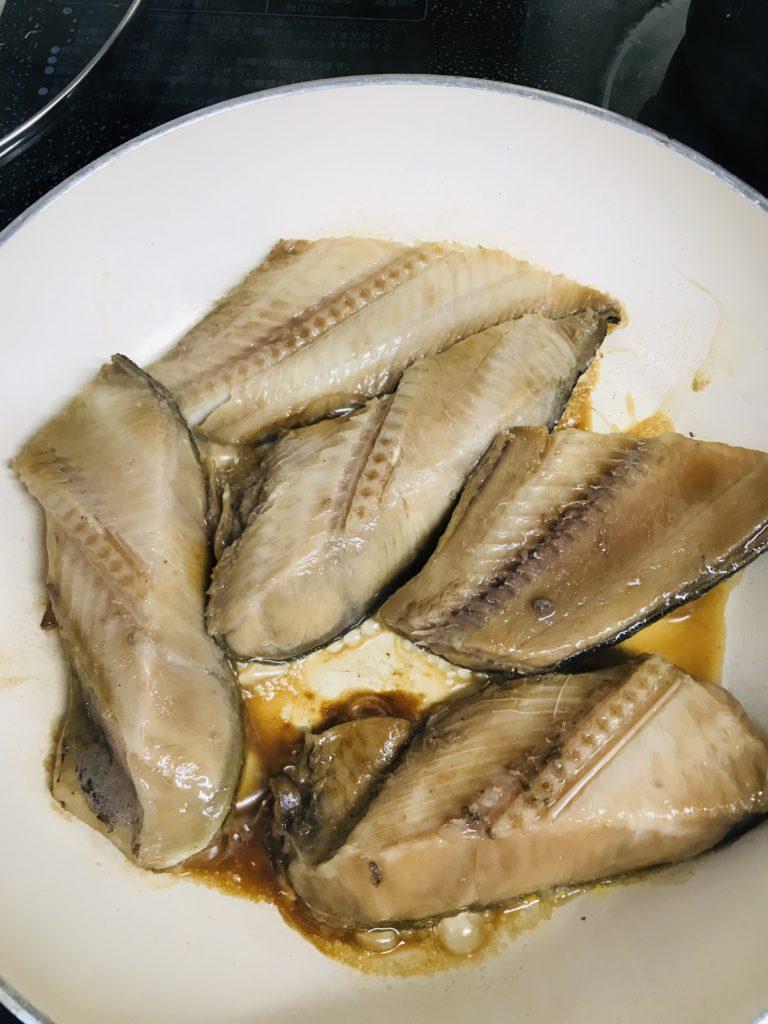 魚を焼くフライパン
